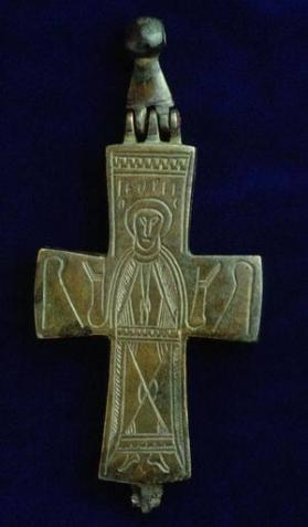 Reliquary cross with figure of Mary