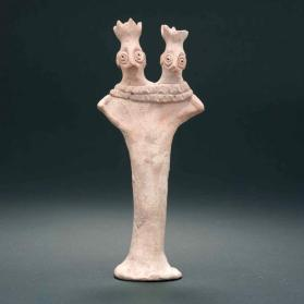 "Figurine of ""Pedestal"" type with two heads"