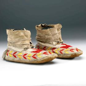 Moccasins with quilled Thunderbird
