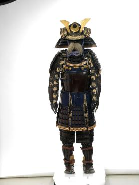 Suit of samurai armour with kuwagata kabuto (helmet with horns)