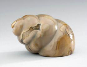 Snuff bottle in the form of a snail shell