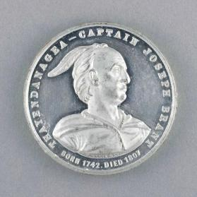 Medal commemorating the unveiling of the Joseph Brant Memorial