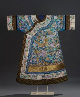 Empress's informal robe (chenyi) with phoenix and peonies