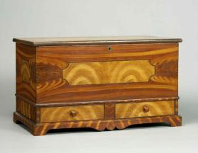 Blanket box in the German tradition