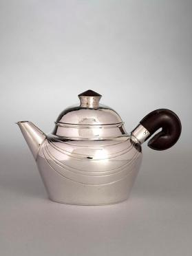 Hot milk or cream jug with cover