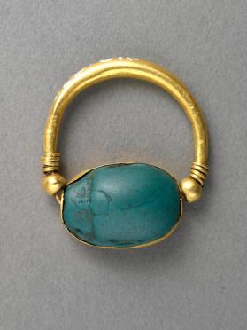 Ring with scarab seal