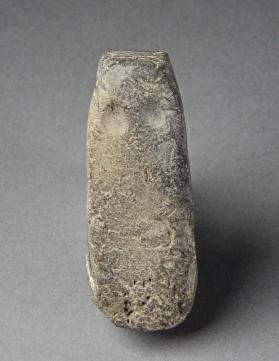 Rectangular anthropoid figurine