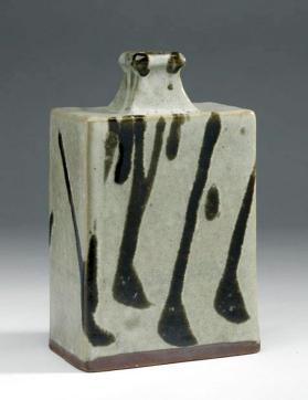 Vase with trailed dark green glaze design