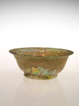 Undecorated bowl with out flaring rim