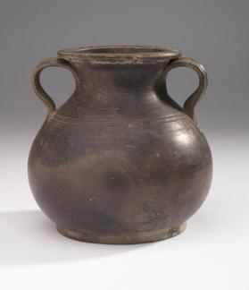 Squat black-glaze amphora