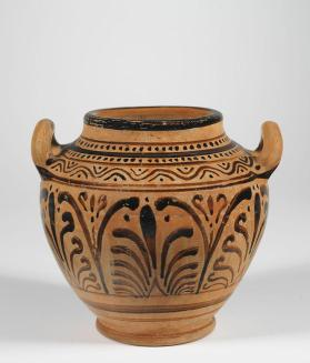 Etruscan stamnos with palmette pattern
