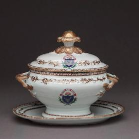 Covered tureen and tray
