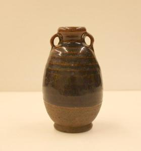 Sawankhalok ware tea caddy (cha-ire) with an ivory lid (futa)