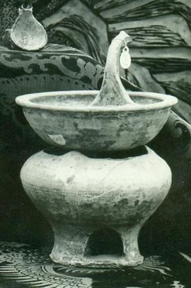 Burial model of a brazier with a basin and spoon