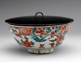 Swatow ware bowl with Japanese lacquered wood cover