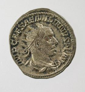 Antoninianus coin with radiate, draped and cuirassed bust of Aemilianus