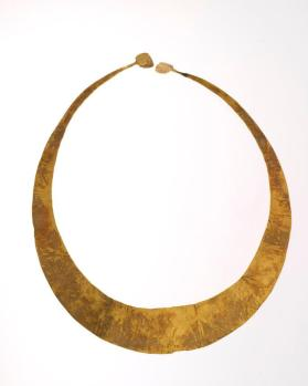 Lunula (crescent-shaped neck-band)