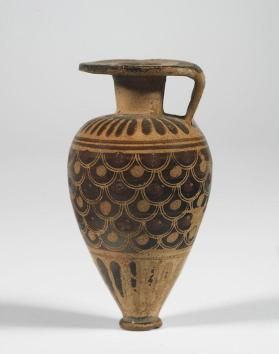 Etrusco-Corinthian aryballos (oil flask) with scale pattern decoration