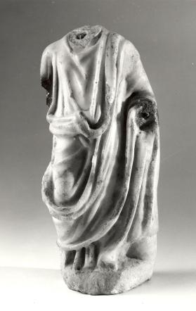 Fragmentary figure of a togatus