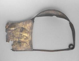 Fibula with sail-shaped bow