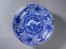 "Dish imitating Chinese ""Kraak"" Porcelain, with Kirman tassel-mark"