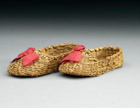 Pair of child's shoes or ornamental shoes