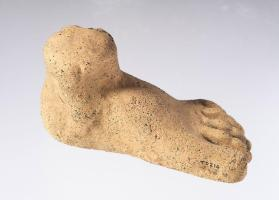 Votive foot