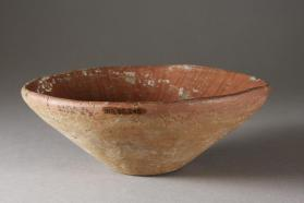 Simple bowl with red rim band