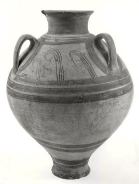 Large piriform jar