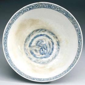 Bowl with curled dragons in medallions, based on late 16th century Chinese model