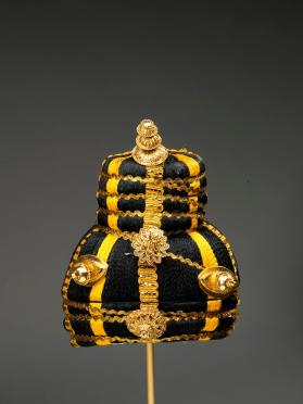 Ceremonial wig (Tekuwa) with gilded ornaments