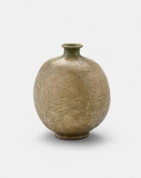 Buncheong ware bottle with incised peony and foliage design 분청사기음각모란엽문편병