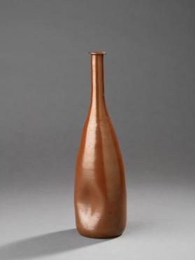 Long-neck sake bottle with indentations on sides