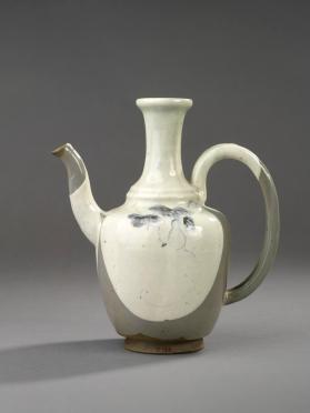Sake ewer with design of squash