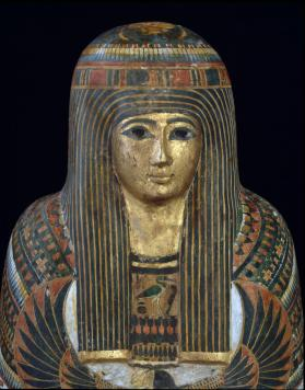 Coffin and mummy of the lady Djedmaatesankh