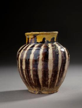 Jar of polychrome-glazed ware