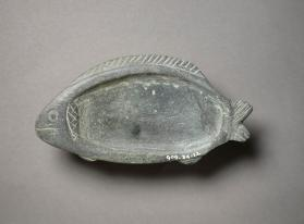Cosmetic dish in shape of tilapia fish