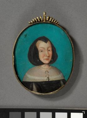 Portrait miniature of a woman wearing pearls