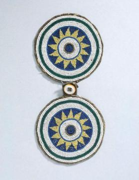 Clasp for a woman's robe