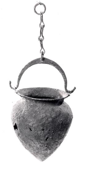 Situla with suspension chain