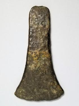 Thin-butted flat axe-head