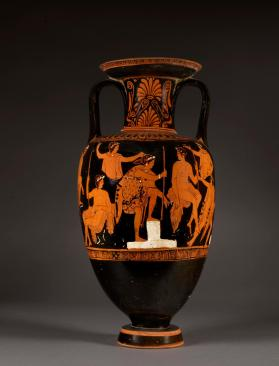Attic red-figure amphora with Atalanta and Meleager