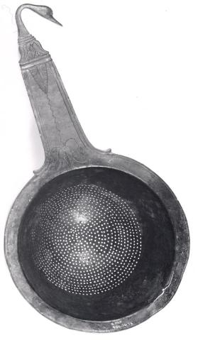 Strainer with duck's head handle