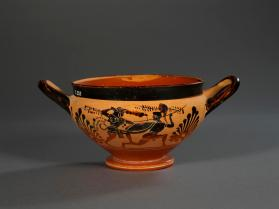 Attic black-figure cup showing Herakles fighting an Amazon