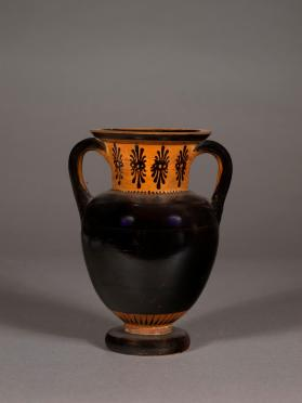 Attic black-glaze amphora with double palmettes on neck