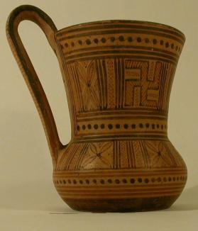 Tankard with geometric patterning