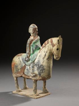 Burial figure of a military attendant on armoured horse