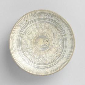 Buncheong ware dish with stamped chrysanthemum design 분청사기인화국화문 [내섬] 명접시