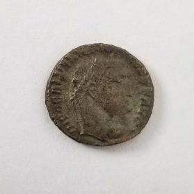 AE2 coin of Maximinus Daia