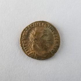 Coin of Licinius, denomination uncertain: AE2, AE3